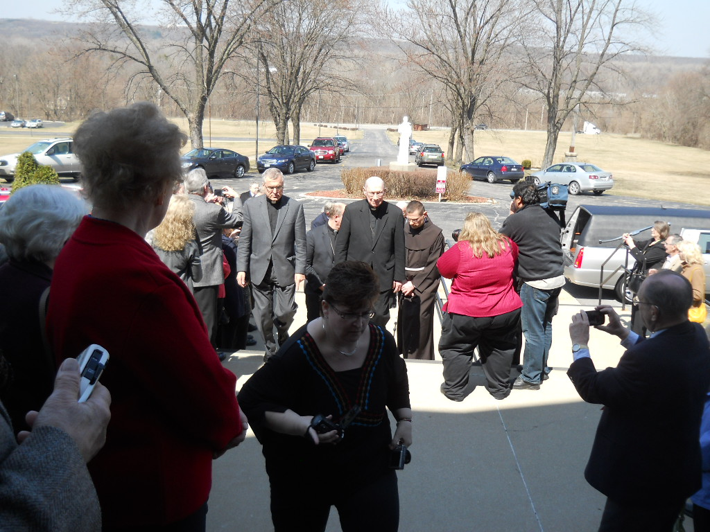 pishop pevec at funeral for bishop rozman ohio blessed mother shrine ohio usa